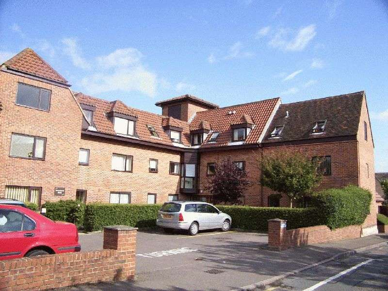 1 Bedroom Retirement Property for sale in Sweetbriar House, Chapel Hay Lane, Churchdown, Gloucester