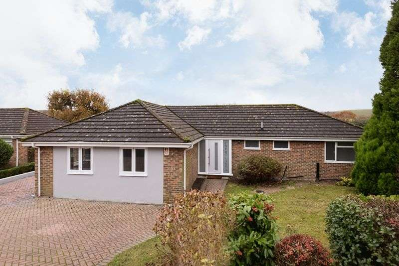 4 Bedrooms Detached Bungalow for sale in South Bank, Hassocks, West Sussex,