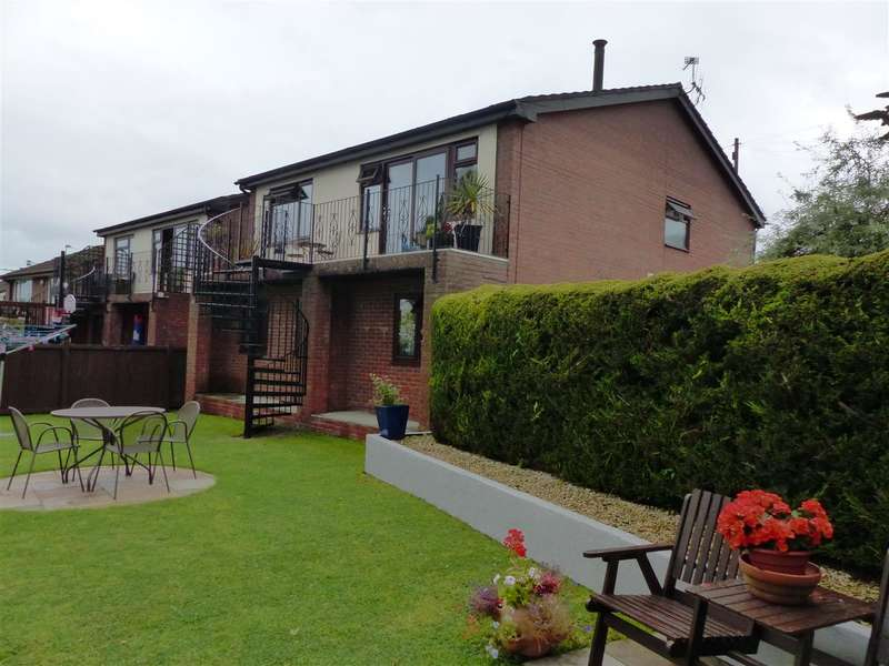 4 Bedrooms Detached House for sale in Bryn Rhedyn, St George Road, Bulwark, Chepstow