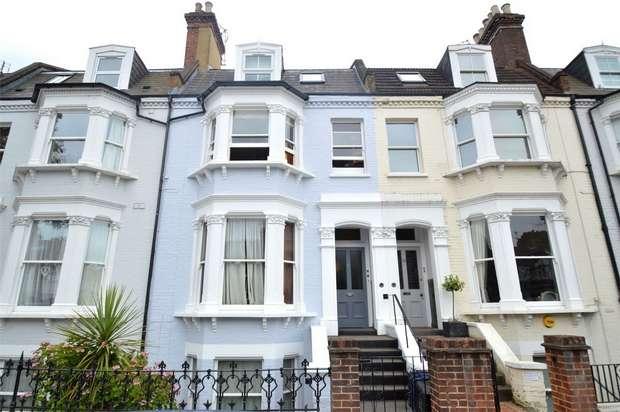 1 Bedroom Flat for sale in St Margarets Road, St Margarets, Twickenham