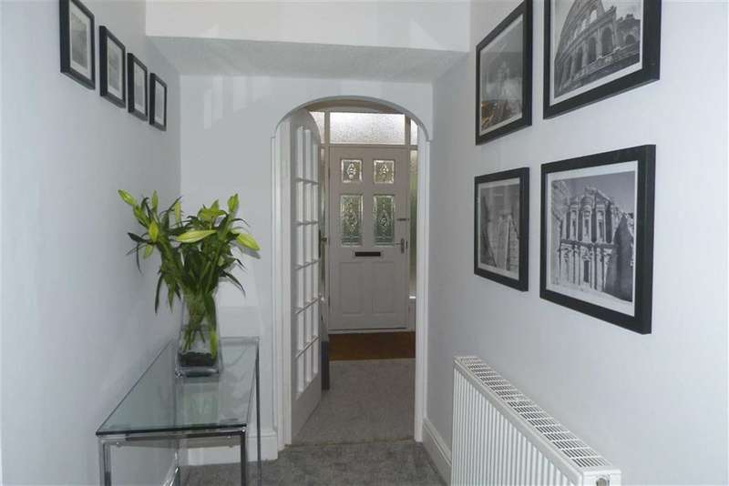 1 Bedroom Property for sale in 8a, Heaton Road, Gledholt, Huddersfield