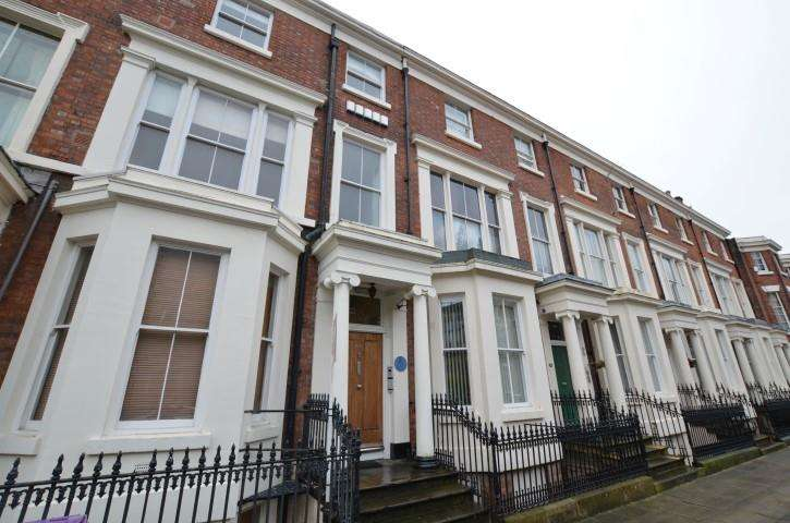 2 Bedrooms Apartment Flat for sale in Huskisson Street, Liverpool, L8