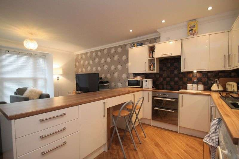 2 Bedrooms Flat for sale in South Street, Newport