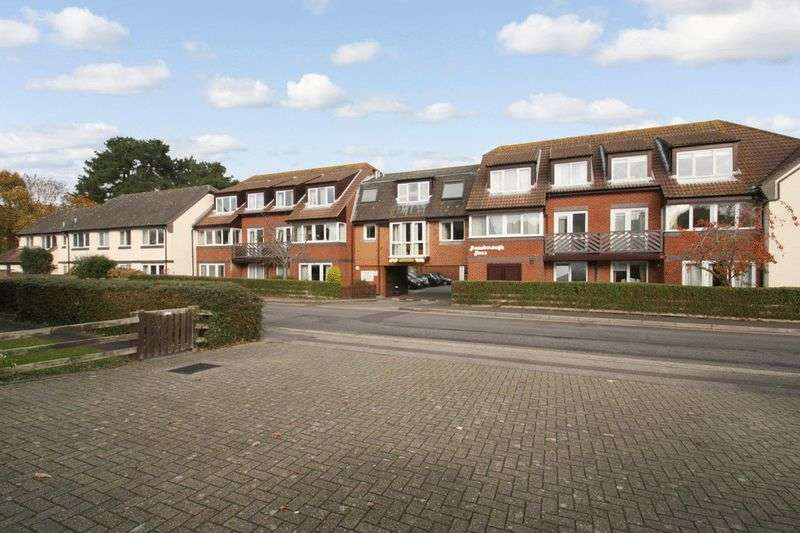 1 Bedroom Retirement Property for sale in Homeborough House, Hythe, SO45 6EE