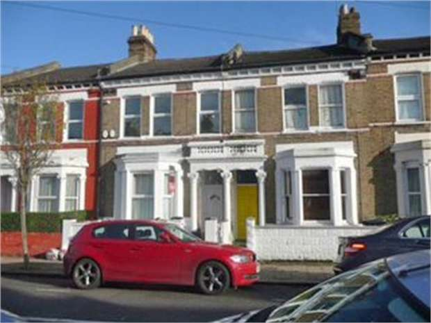 3 Bedrooms Flat for sale in Solon Road, London