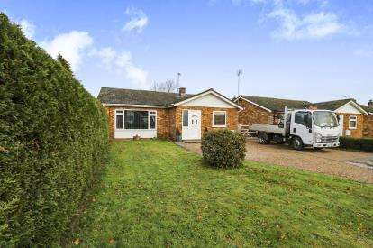 3 Bedrooms Bungalow for sale in Attleborough