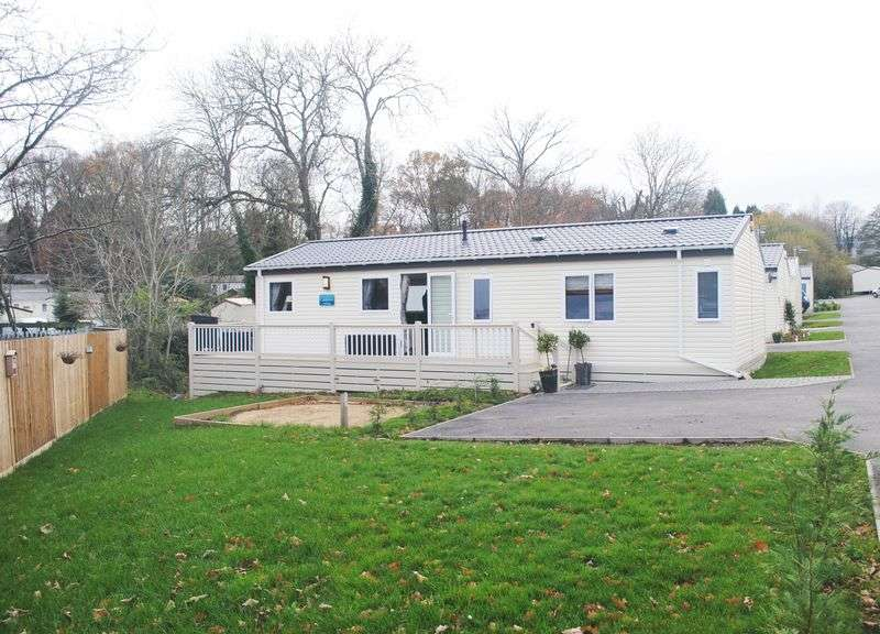 3 Bedrooms Detached Bungalow for sale in Ivyhouse Lane, Hastings