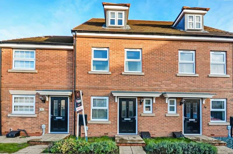 3 Bedrooms House for sale in 37 Runnymede Lane, Kingswood, Hull, HU7 3AD
