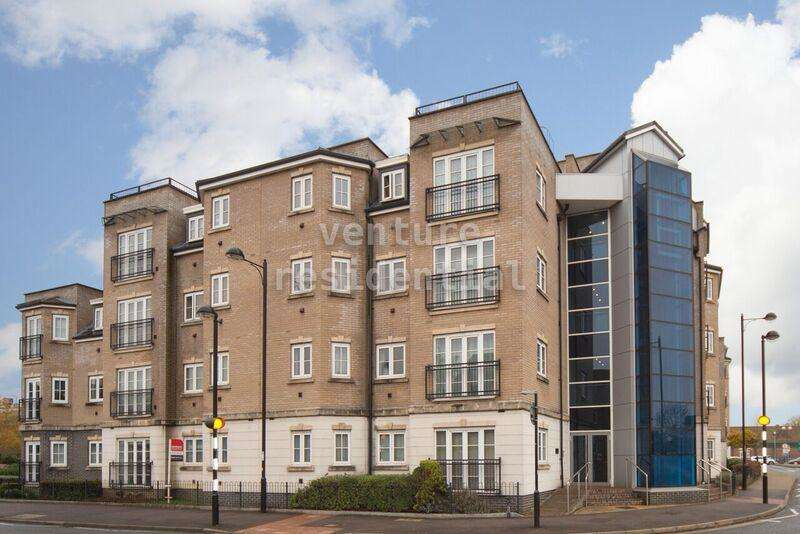 2 Bedrooms Flat for sale in Lake Street, Leighton Buzzard, Bedfordshire, LU7 1WB