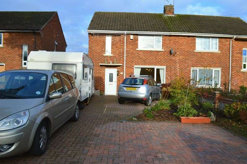 2 Bedrooms Semi Detached House for sale in Belton Avenue, Lincoln