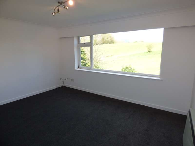 1 Bedroom Flat for sale in Baguley Crescent, Middleton, Greater Manchester, M24