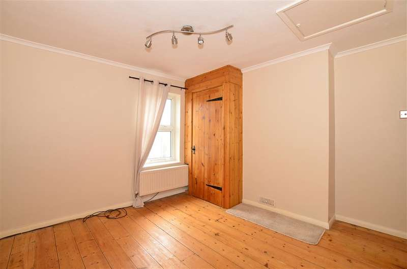 2 Bedrooms End Of Terrace House for sale in Essex Road, Halling, Rochester, Kent