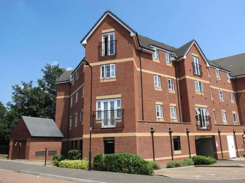 2 Bedrooms Apartment Flat for sale in Eaton Avenue, Slough, Berkshire, SL1
