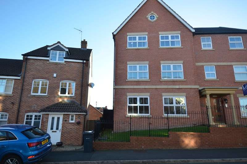 2 Bedrooms Flat for sale in Navigation Drive, Kings Norton, Birmingham