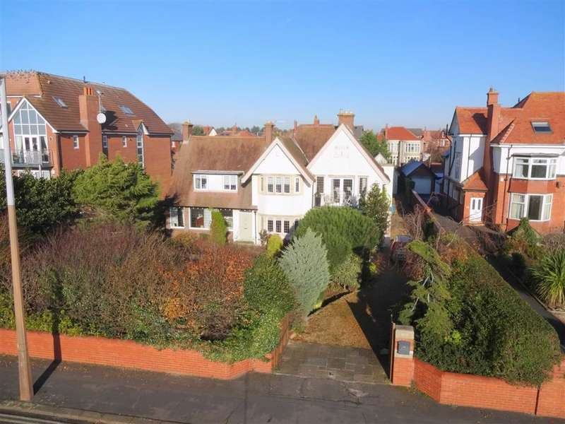 4 Bedrooms Property for sale in Inner Promenade, Lytham, Lancashire