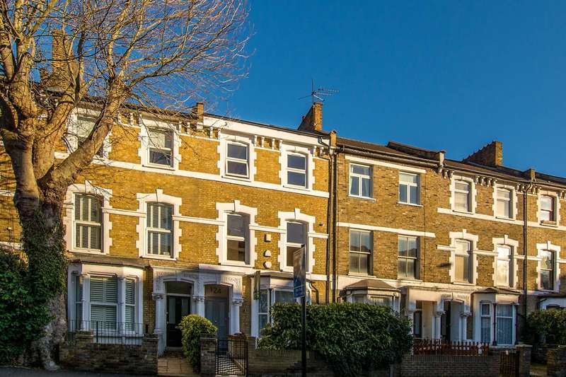 2 Bedrooms Flat for sale in Rectory Road, Stoke Newington, N16