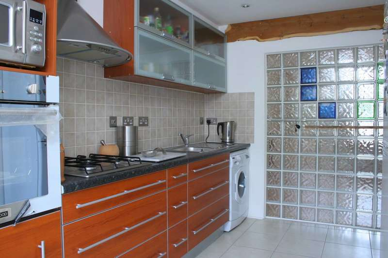 2 Bedrooms Flat for sale in Peckham Hill Street, Peckham, SE15