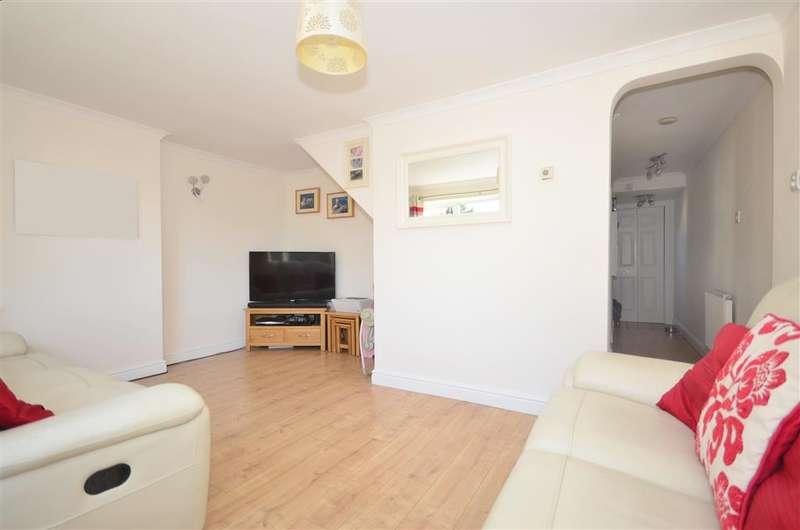 2 Bedrooms Terraced House for sale in Cedar Drive, Edenbridge, Kent