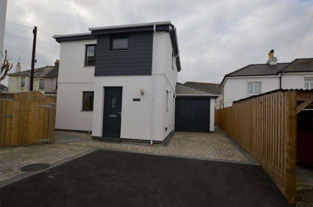 3 Bedrooms Detached House for sale in Callington Road, Saltash, Cornwall