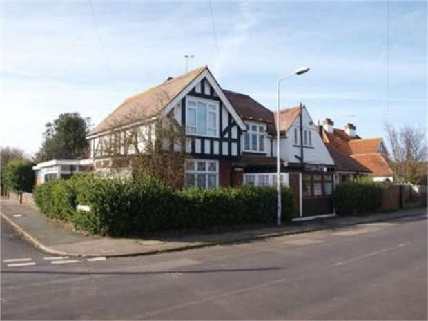 6 Bedrooms Detached House for sale in Sea View Road, Birchington, Kent