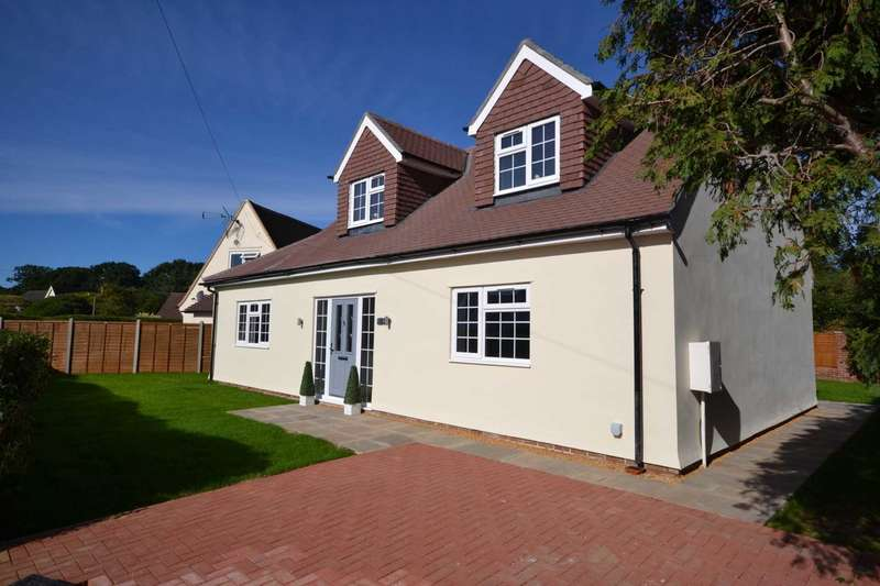 4 Bedrooms Detached House for sale in Hawthorne Road, Caversham