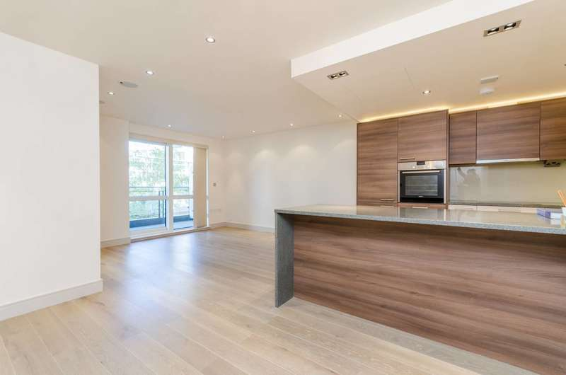 2 Bedrooms Flat for sale in Doulton House, Chelsea Creek, SW6