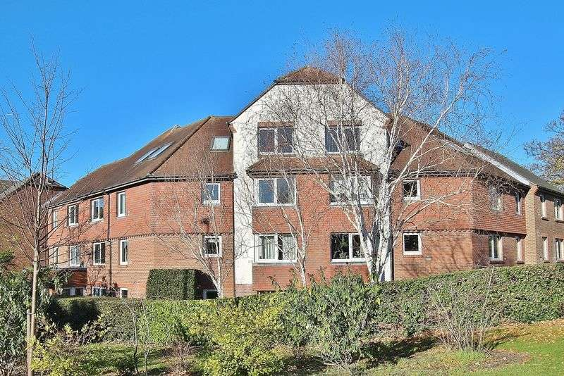 1 Bedroom Retirement Property for sale in Denehyrst Court, Town Centre