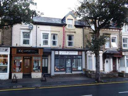 2 Bedrooms Maisonette Flat for sale in Lancaster Road, Morecambe, Lancashire, United Kingdom, LA4