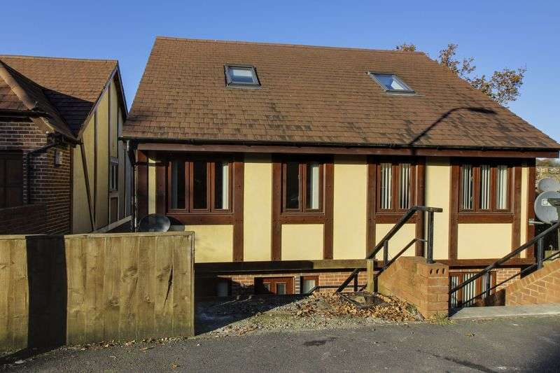 3 Bedrooms Semi Detached House for sale in Aberthaw Close, Newport