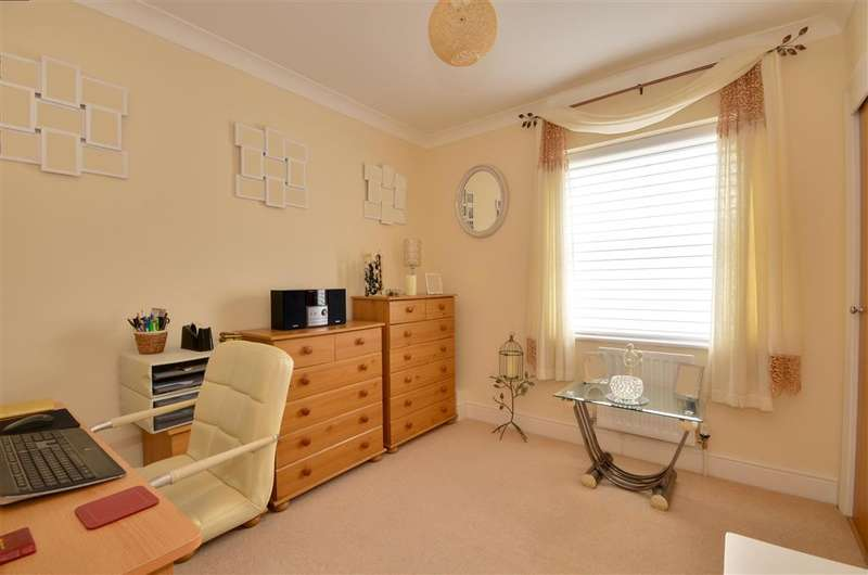 2 Bedrooms Apartment Flat for sale in The Old Market, Marden, Kent