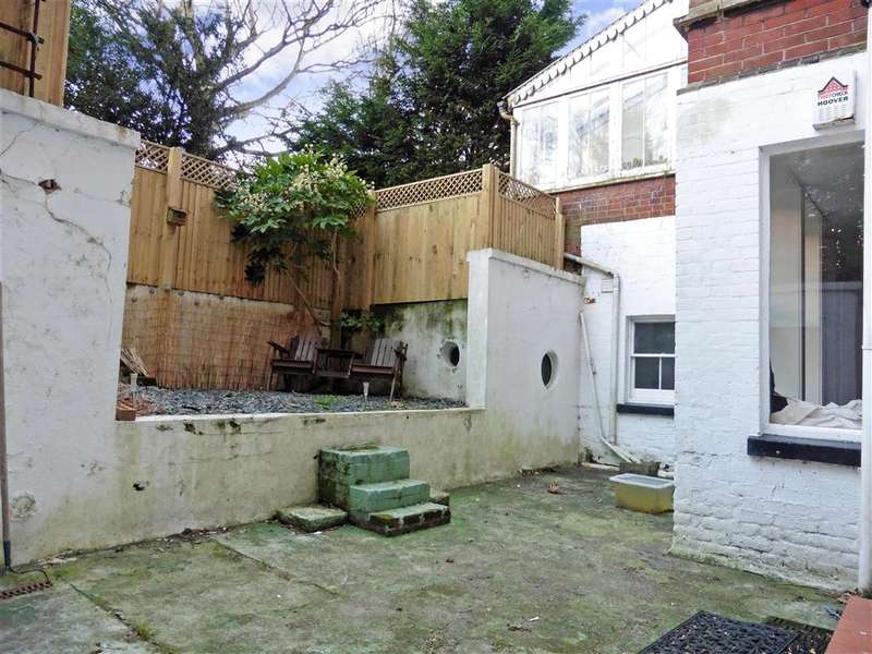 2 Bedrooms Apartment Flat for sale in Earls Avenue, Folkestone, Kent