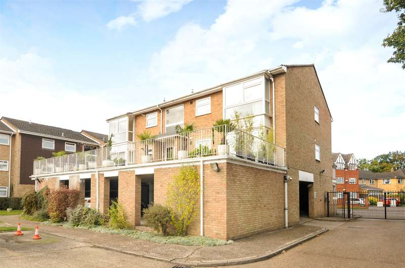 2 Bedrooms Apartment Flat for sale in Heath Lodge, High Road, Bushey Heath, Hertfordshire, WD23