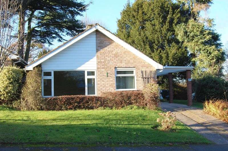 2 Bedrooms Bungalow for sale in A stylish Link Detached Bungalow
