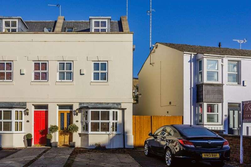 3 Bedrooms Terraced House for sale in Fairview, Cheltenham