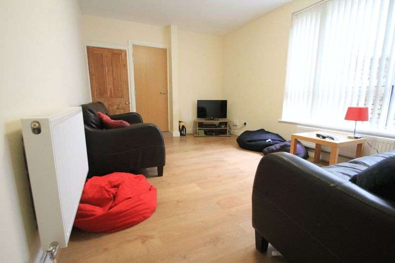 8 Bedrooms Terraced House for rent in Colum Road, Cardiff