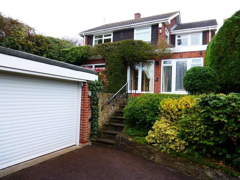 4 Bedrooms Detached House for sale in Honing Drive, Southwell, NG25