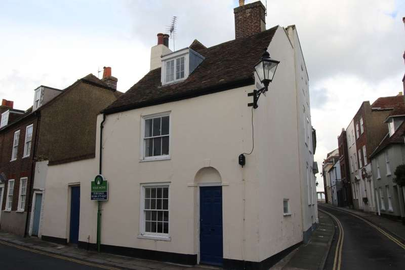 2 Bedrooms Property for sale in Middle Street, Deal, CT14