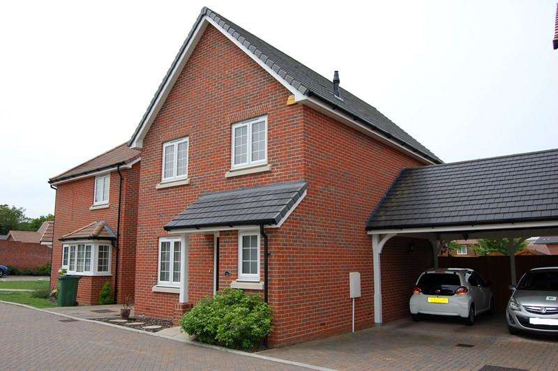 4 Bedrooms Detached House for sale in Penrith Crescent, Wickford