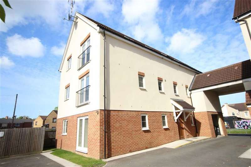 1 Bedroom Property for sale in Towpath Gardens, The Moorings, Swindon, Wiltshire