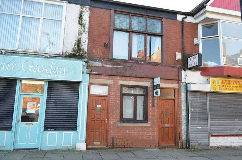 2 Bedrooms Flat for sale in Railway Road, Leigh, WN7 4AJ
