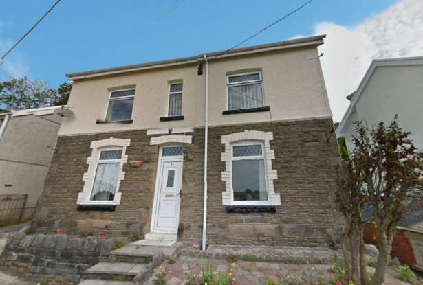3 Bedrooms Detached House for sale in Ormes Road, Neath, West Glamorgan, SA10 6SY