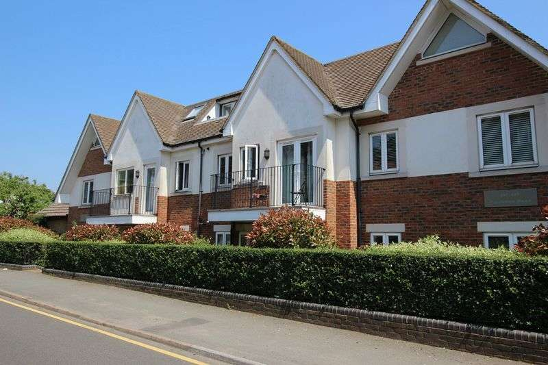 2 Bedrooms Flat for sale in CATERHAM ON THE HILL