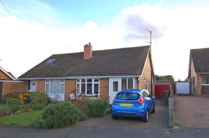 2 Bedrooms Bungalow for sale in Leyside, Rayne, Braintree, CM77