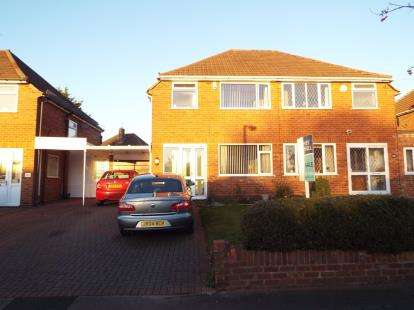 House for sale in Wichnor Road, Solihull, West Midlands