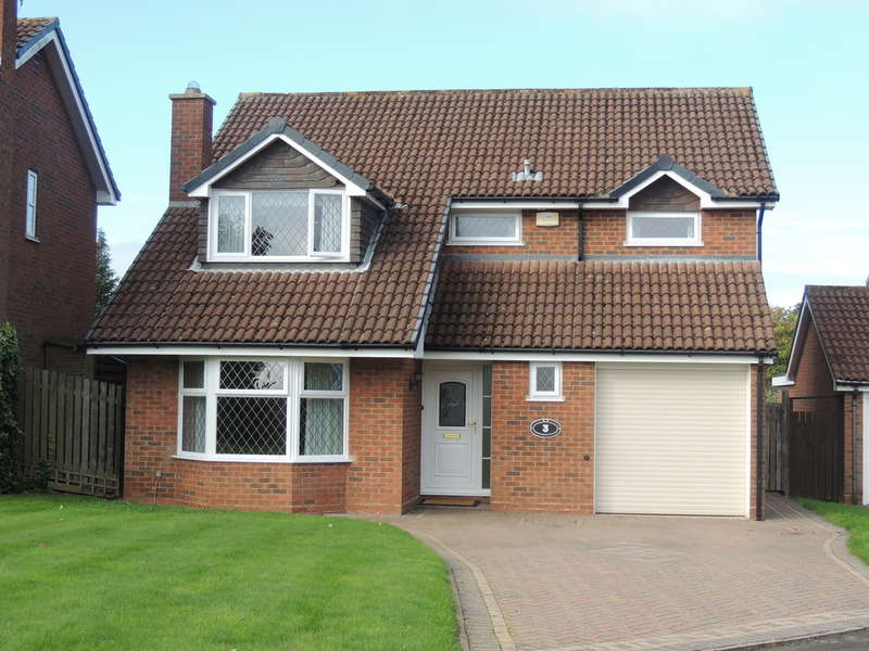 4 Bedrooms Detached House for sale in Hawkshead Drive, Knowle