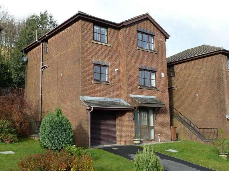4 Bedrooms Property for sale in Elderberry Close, Diggle, SADDLEWORTH, OL3
