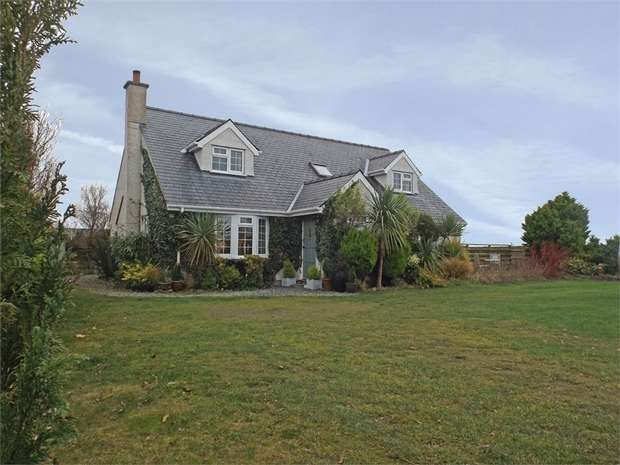 4 Bedrooms Detached Bungalow for sale in Llanddeusant, Holyhead, Anglesey