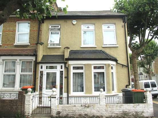 3 Bedrooms Terraced House for sale in Grosvenor Gardens, East Ham