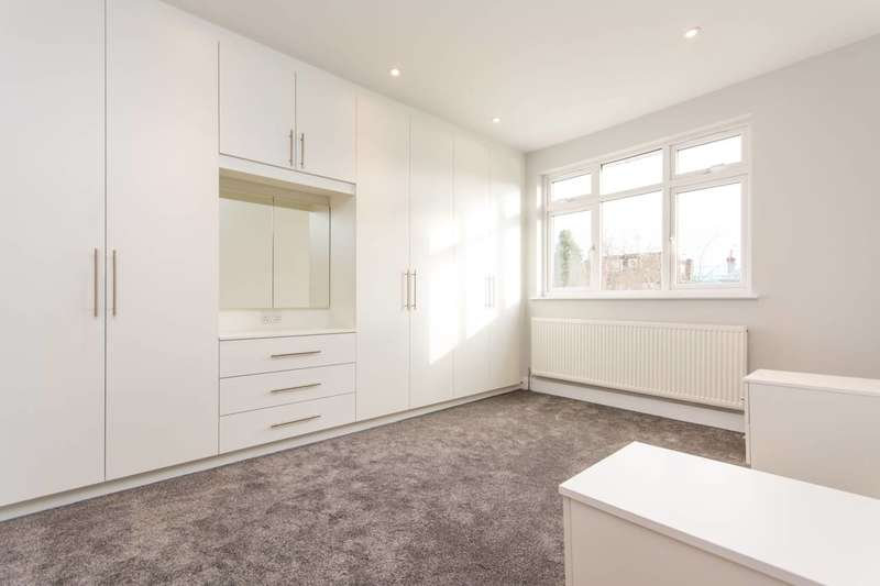 3 Bedrooms House for sale in All Souls Avenue, Willesden, NW10