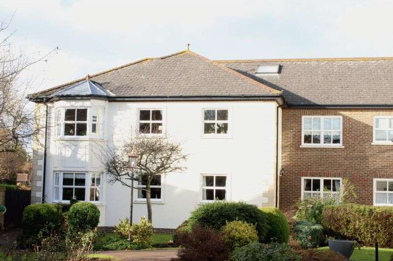 2 Bedrooms Retirement Property for sale in Ground Floor Retirement Flat - Englefield Green